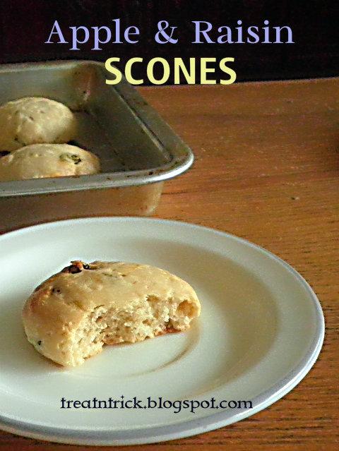 Apple & Raisin Scones Recipe @ treatntrick.blogspot.com
